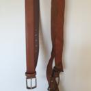チャコール色のベルト2本組、良品。ユニクロヒートテック付き。