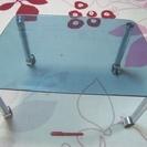 ★USED!!強化ガラスのキャスター付き小テーブル・高さ30cm×...