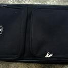 大き目スーツケース 布製 黒 収納にも 縦約66㎝、横約46㎝、幅...