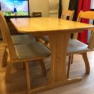 ダイニングテーブル・椅子4脚 さしあげます。