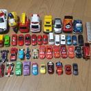 トミカと車おもちゃ