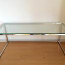 シンプルガラス製コーヒーテーブル