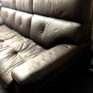 皮革3人掛けソファ    美品(4〜5回しか座ってません)