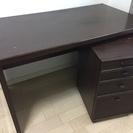 転居を機会にシングルベットと机をどなたかに譲ります。
