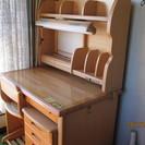 勉強机と椅子