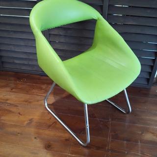 ロータイプの椅子 北欧風
