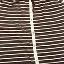 カーキ色スカート