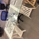【IKEA】ガラス板と白木製足のおしゃれデスク