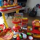 アンパンマンピアノ、自動販売機、レジスターなど色々おもちゃセット