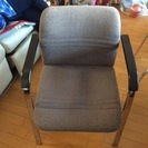 ダイニングテーブルと椅子5脚