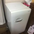小型の冷蔵庫