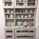 可愛い食器棚