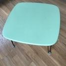 テーブル  緑
