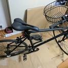 TOKYO BIKEの黒(2012年購入)のクロスバイクと空気入れ