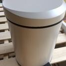 ニトリ 蓋つきゴミ箱 ペダルペール5リットル