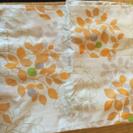 オレンジ花柄のオシャレなカーテン