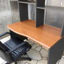 オフィスデスクとオフィスチェアー