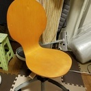 お洒落な木製椅子(イス)