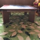 木のテーブル