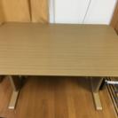 テーブル(縦75cm x 横120cm x 高70cm)