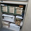 スチール箱型の棚