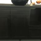 焦げ茶色の棚