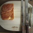 パン切り分けまな板、ナイフ、木製お皿