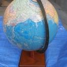 ☆地球儀の出品です