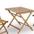 テーブル&椅子2脚セット(折りたたみ式、木製、野外使用可能、パラソ...