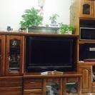 食器棚大、小、テレビ台は3点同じ色で統一感があるもの、10年くらい...