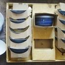 茶碗10個と蓋付き小鉢2個のセット物をお安くお譲り致します。