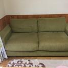 グリーン色の3人掛けソファ★テーブル付き