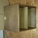 Simmonsのベットサイド用ローテーブル(台・収納 等に)木製