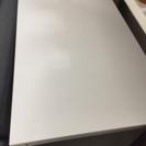 シンプルリンビングテーブル