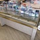 ガラスのショーケース 商品陳列棚