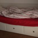 IKEA のベッド