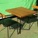 ◆ 【カフェテーブル】 古木風に仕上げたパイン無垢材のレトロな味わ...