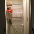 洗濯機の上の収納棚