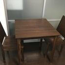 おしゃれな机&椅子 無垢材です。