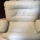 ホワイトベージュ座椅子(引き取りに来てくれる人限定)
