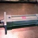 油圧シリンダーを格安で販売・修理します。(期間限定, 桑原製作所)