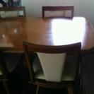 ダイニングテーブルとイス4脚(値下げしました)