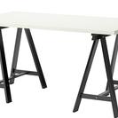 北欧雑貨店で使用していたテーブル。 テーブルと足が離れます。