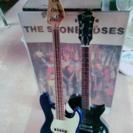 エレキギターとベース
