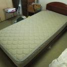 シングルベッド(Marshall Bed) 2台 です。