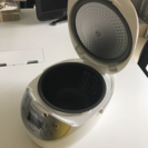 東芝 炊飯器 RC-10HH IH保温釜 ホワイト 1.0L TOSHIBA美品 − 愛知県