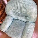 ヨーロッパ調 1人掛けソファ 優雅です 猫のように丸まって眠れます。