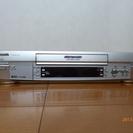 S-VHSビデオデッキ