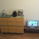 家電(電子レンジ、冷蔵庫、電気ポット)、家具まとめて譲ります