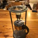 水出しコーヒーサイフォンとガラスポットと銅カップ
